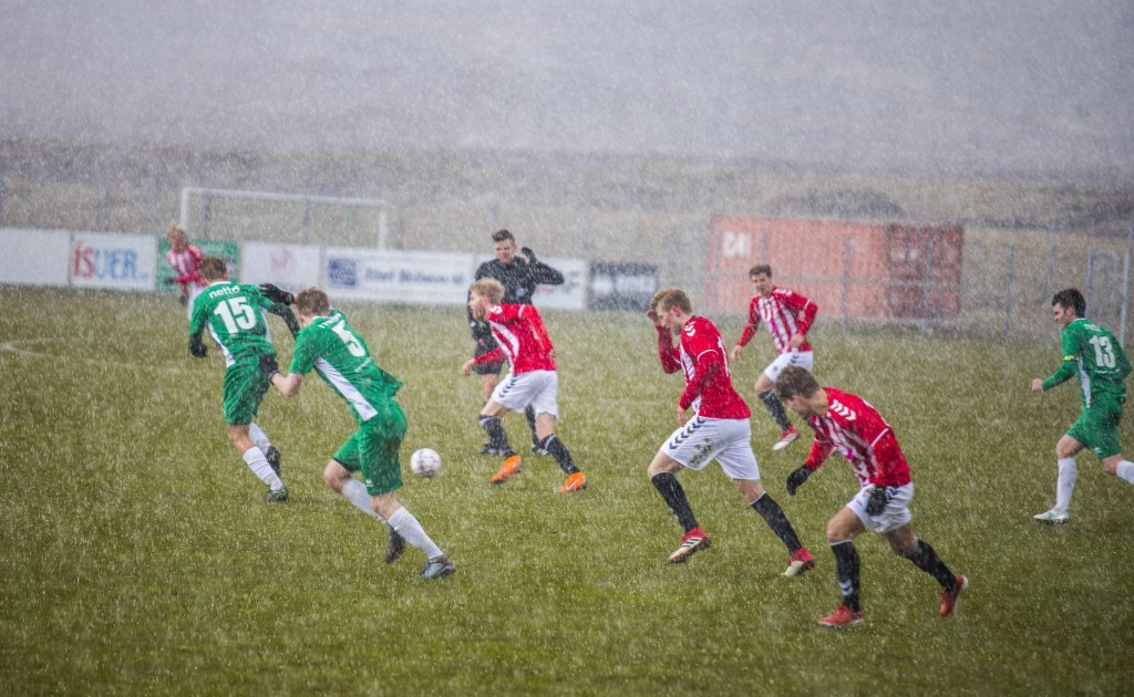 Expect anything on the football field, photographer Hilmar Bragi Bárðarson. One of top six photographs chosen by the committee.